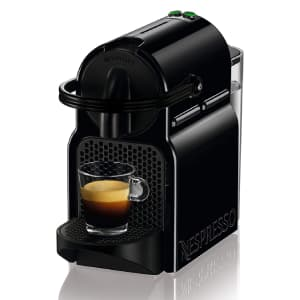 Macchina per il caffè in capsule nera De'Longhi Nespresso Inissia EN80.B su sfondo bianco